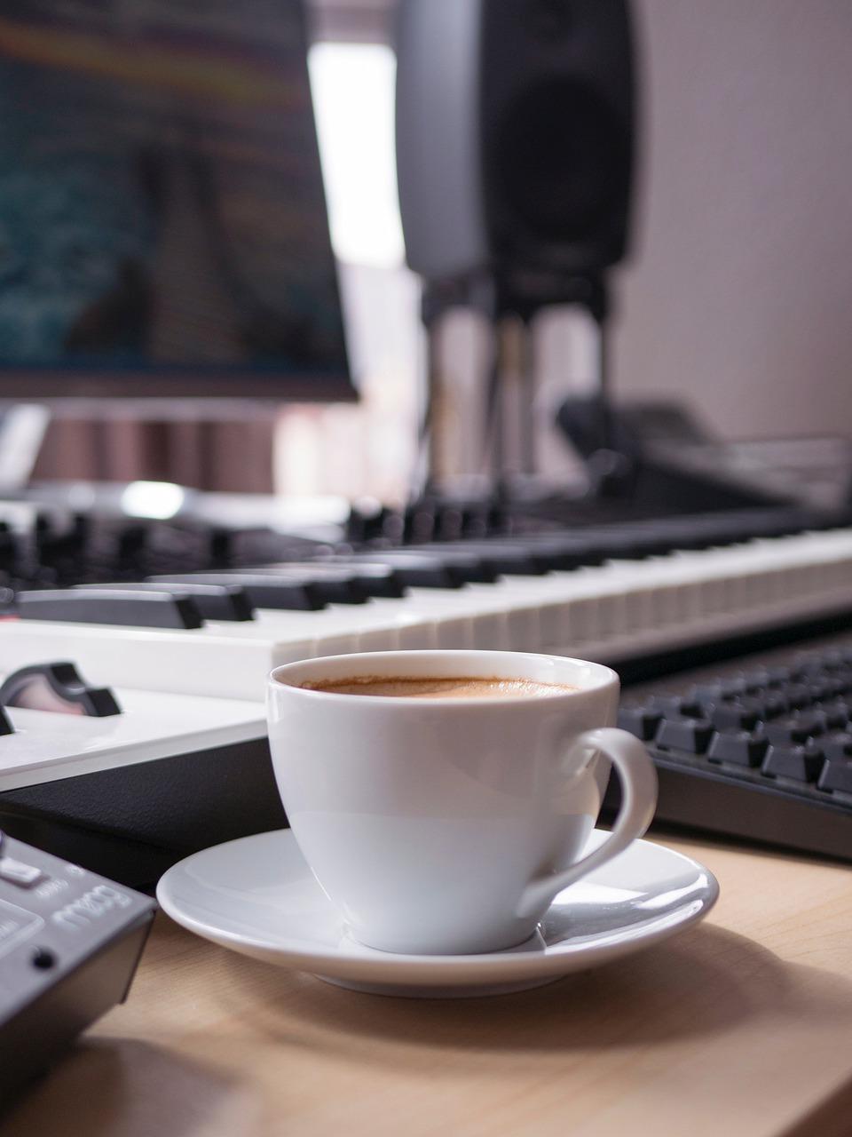 Coffee Cup Desk Equipment Music  - groovelanddesigns / Pixabay